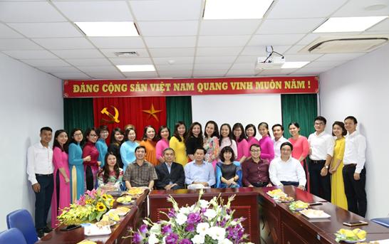 Trường ĐT&BD nghiệp vụ Kiểm toán tổ chức mít tinh kỷ niệm Ngày Phụ nữ Việt Nam 20/10