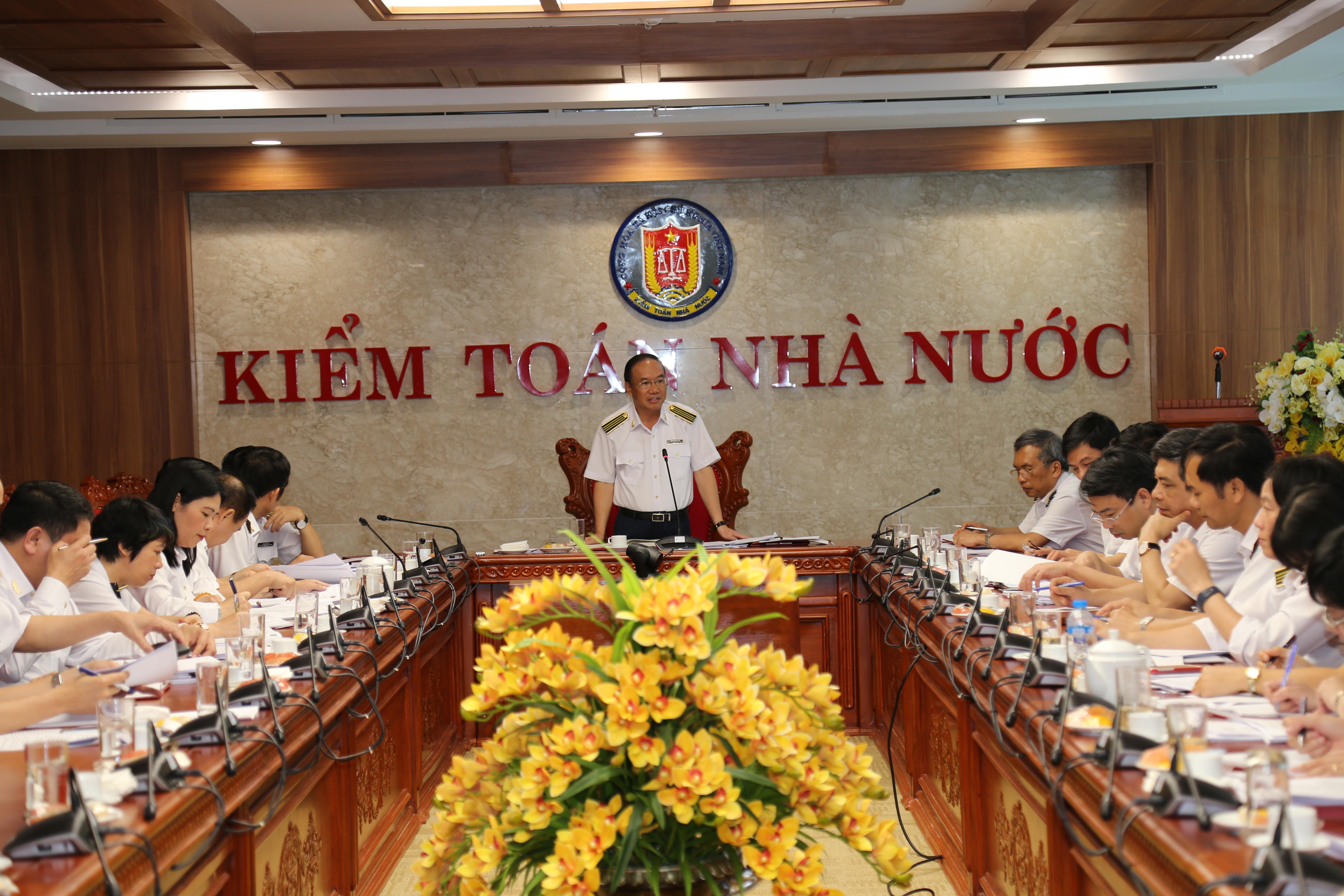 Hội đồng Khoa học nhiệm kỳ VIII: ưu tiên nghiên cứu các đề tài  cấp thiết và mới