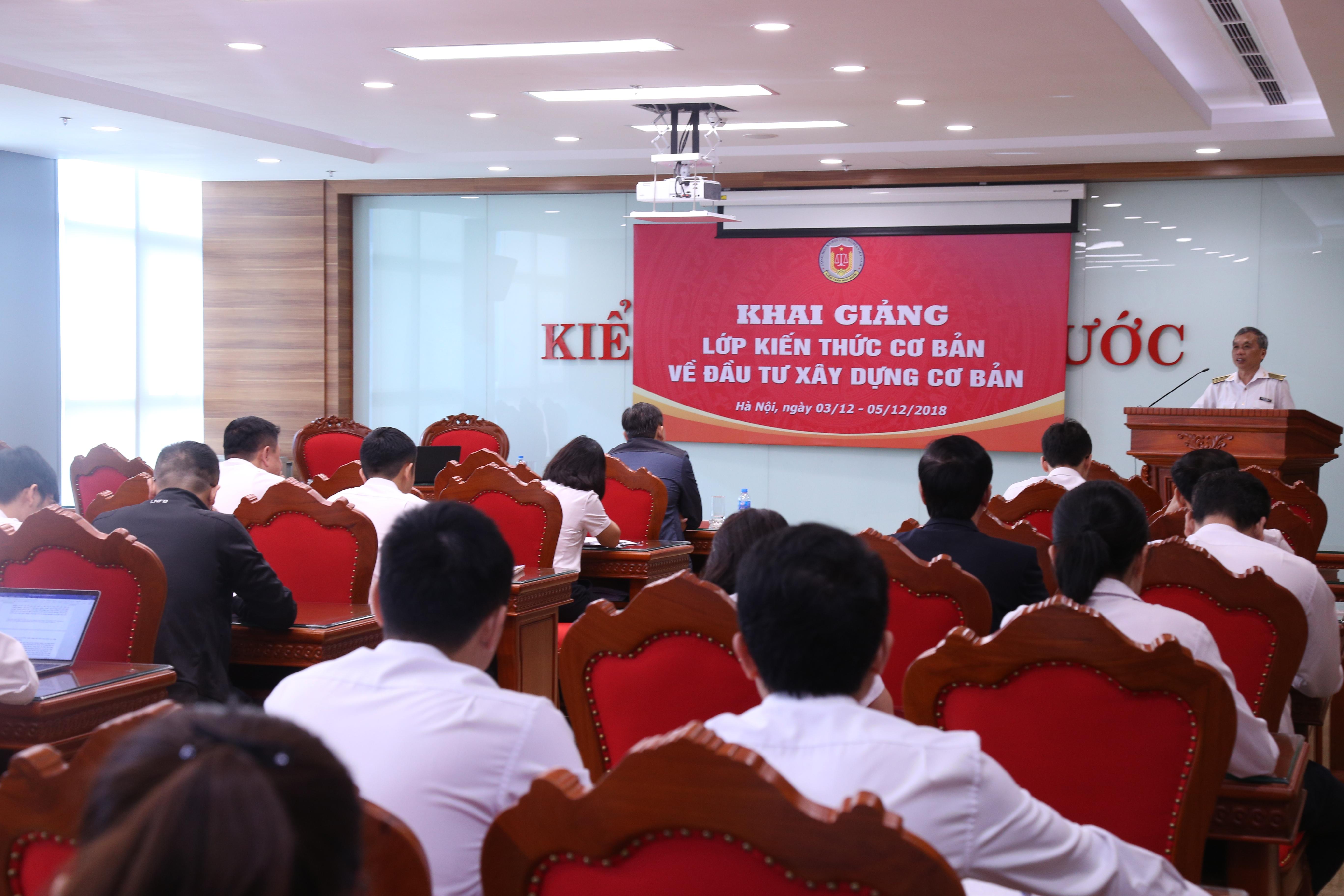 Khai giảng Lớp kiến thức về đầu tư xây dựng cơ bản
