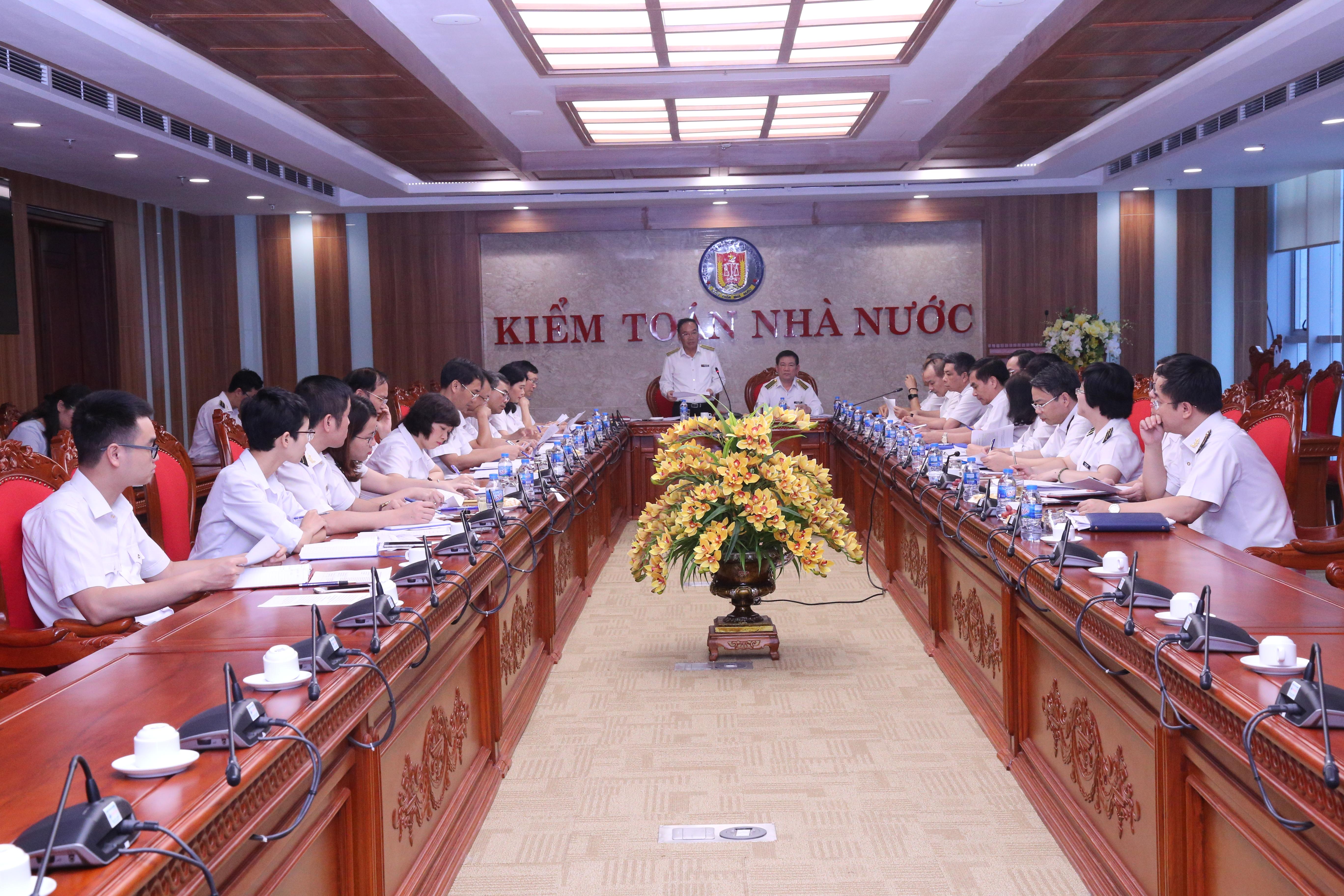 Sơ kết hoạt động 6 tháng đầu năm Hội đồng khoa học nhiệm kỳ VIII