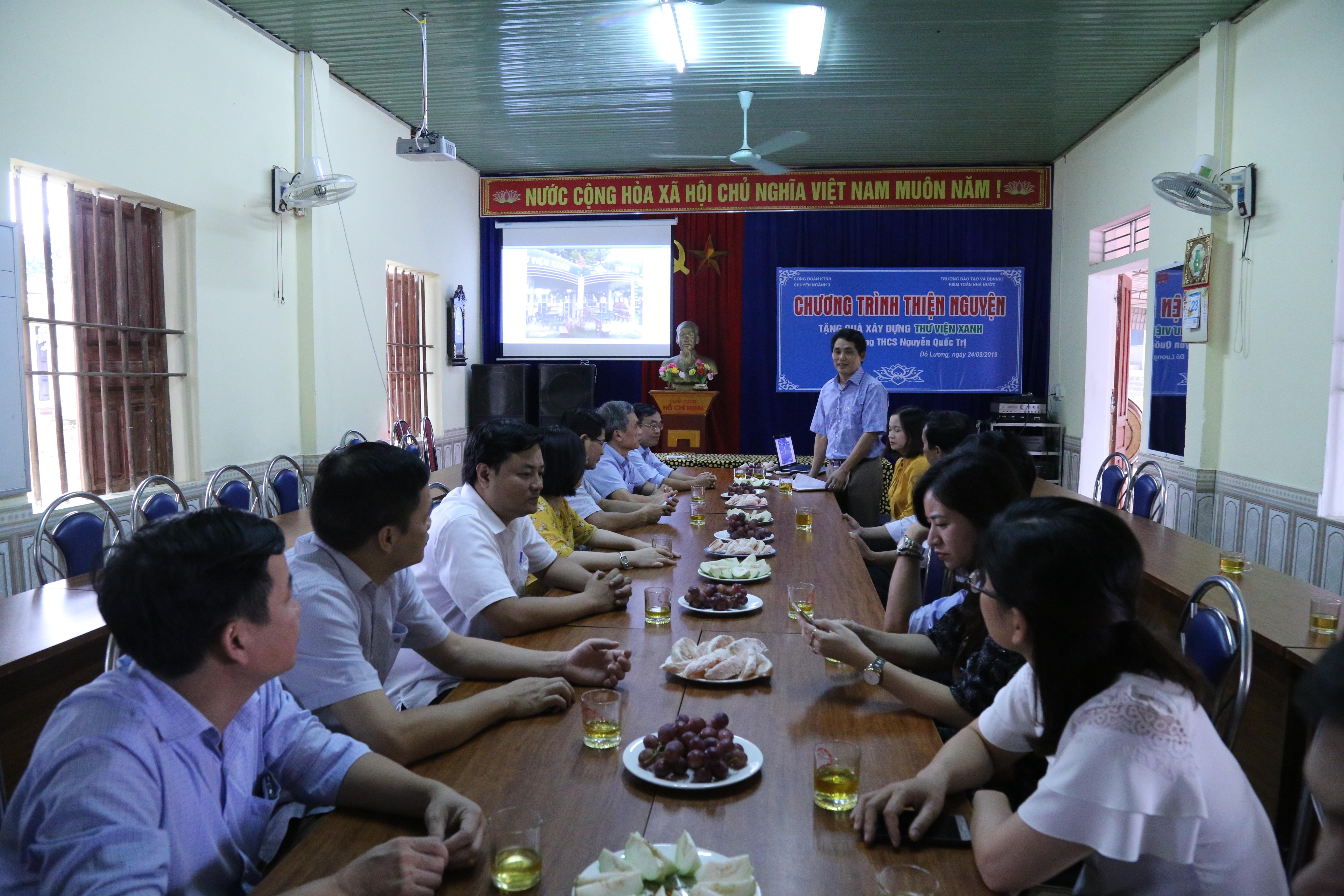 Công đoàn Kiểm toán Nhà nước Chuyên ngành III và Trường Đào tạo và Bồi dưỡng  Nghiệp vụ kiểm toán đã tổ chức trao tặng kinh phí xây dựng Thư viện Xanh tại Trường Trung học Cơ sở Nguyễn Quốc Trị, huyện Đô Lương, tỉnh Nghệ An