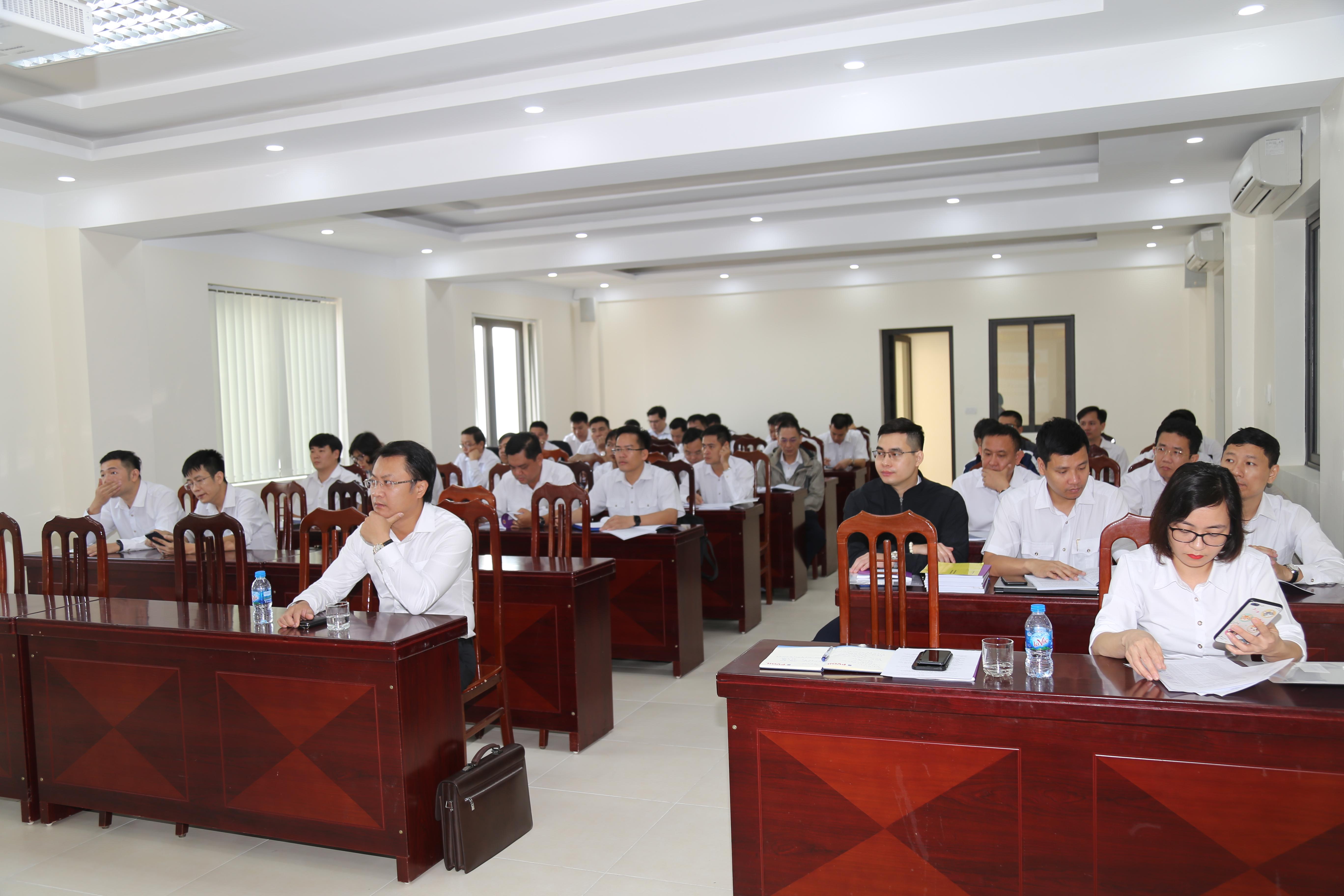 Trường ĐT&BD nghiệp vụ kiểm toán đã tổ chức khai giảng lớp bồi dưỡng kỹ năng kiểm toán dự án ĐTXD công trình cấp độ 3 và Lớp bồi dưỡng kỹ năng kiểm toán ngân sách cấp độ 2