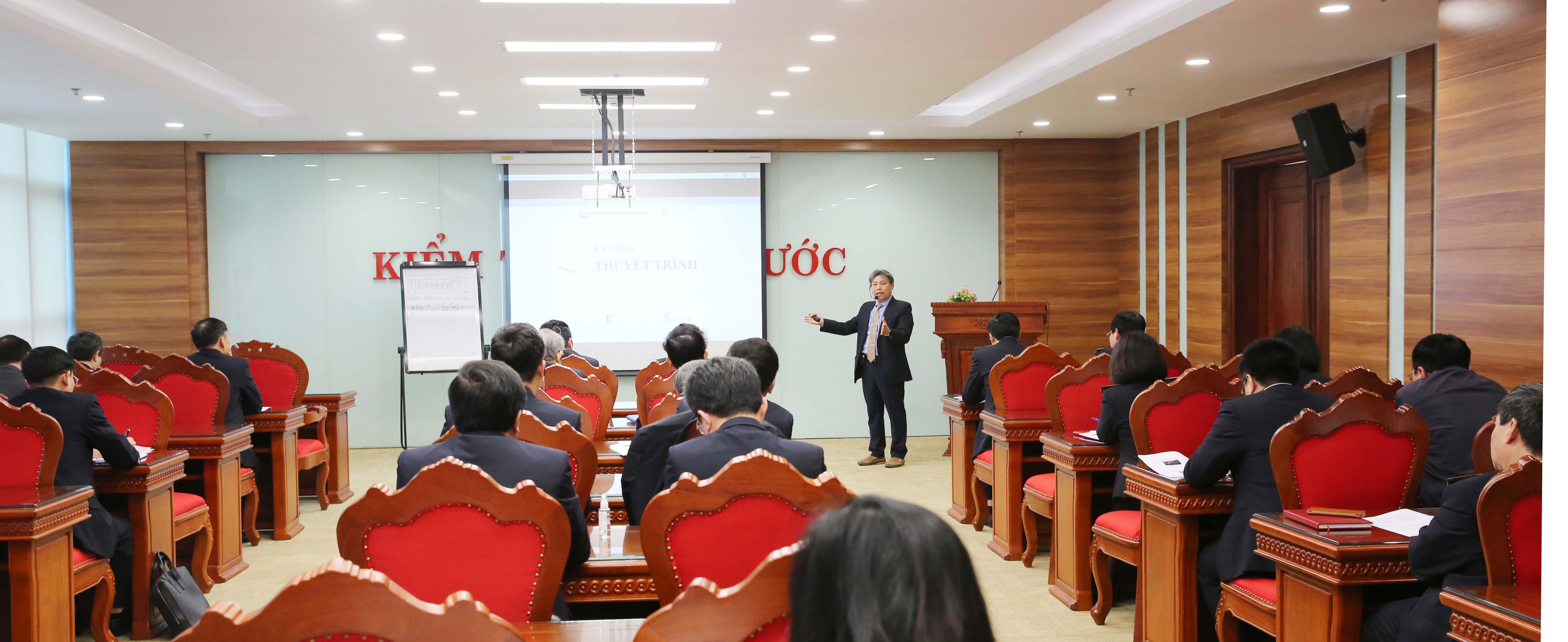 KTNN tổ chức  khai giảng Lớp bồi dưỡng kỹ năng thuyết trình cho lãnh đạo cấp vụ
